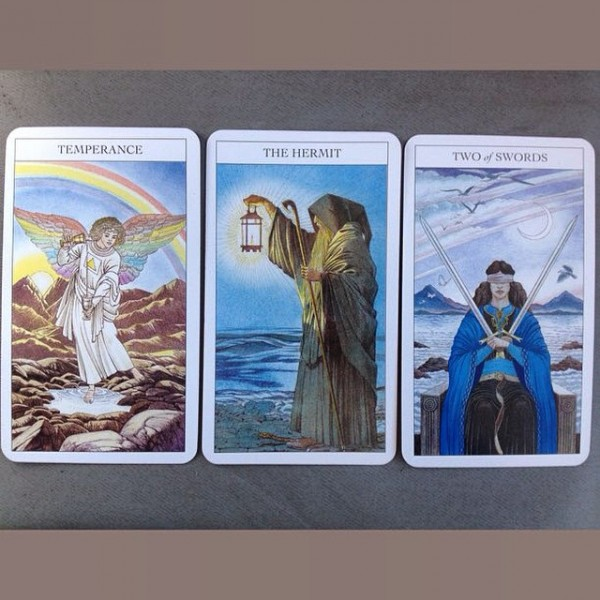 Beginners-Guide-to-Tarot-4-600×600