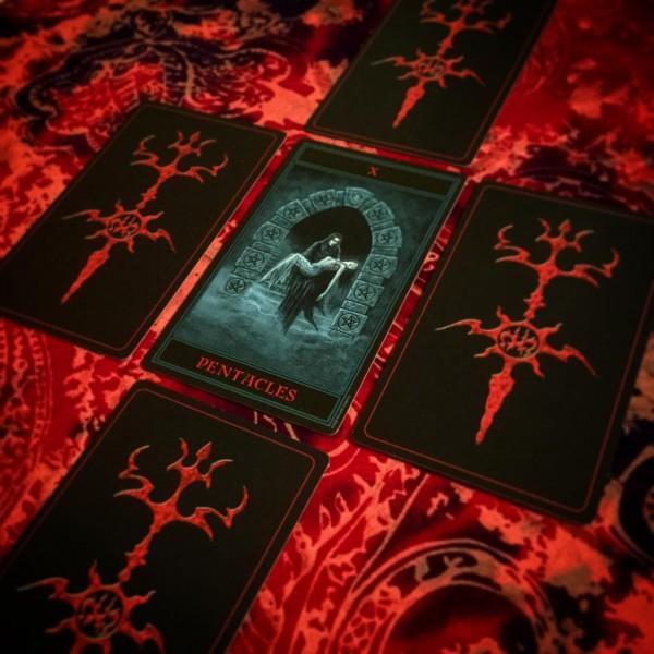 Gothic-Tarot-4-600×600