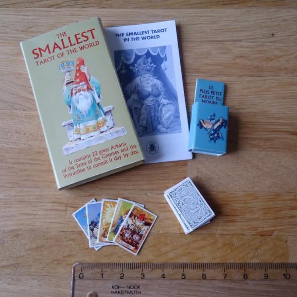 Smallest-Tarot-in-the-World-2-600×600