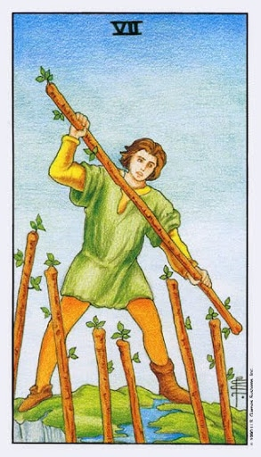 Ý Nghĩa Lá Bài Seven of Wands Trong Tarot