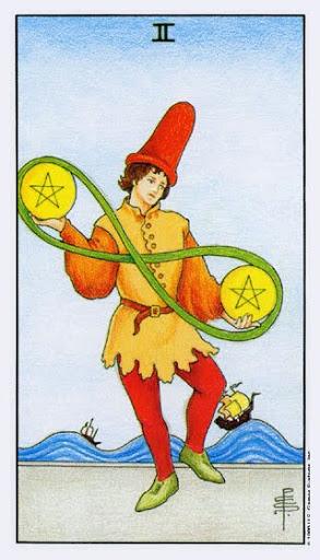Ý Nghĩa Lá Bài Two of Pentacles Trong Tarot