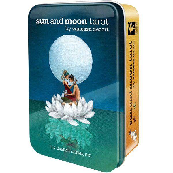 Sun-and-Moon-Tarot-Tin-Edition-1